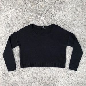 Black cropped knit sweater